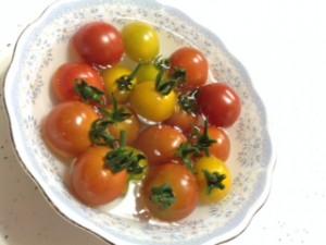 トマトの水浴び